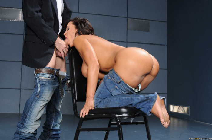 Lisa Ann Ass To Mouth